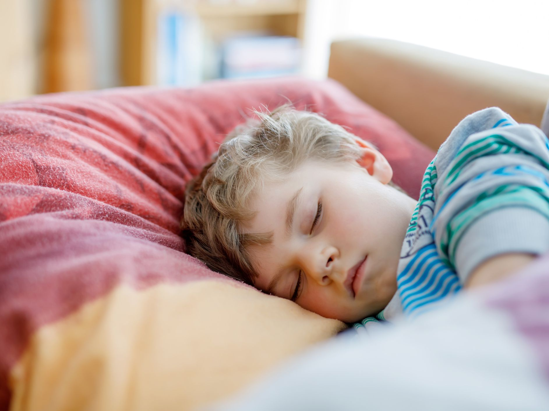 Regular Bedtimes And Sufficient Sleep >> How Parents Can Help Toddler Sleep Challenges