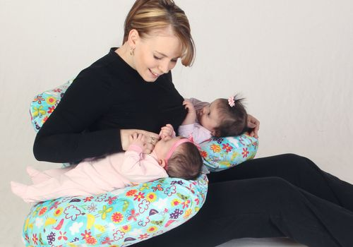 Twin Z Feeding Pillow