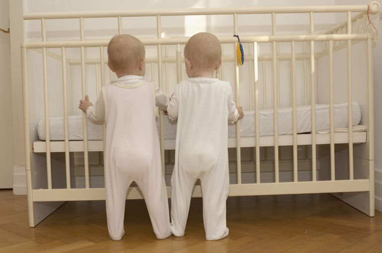 things to consider before you buy a crib for twins