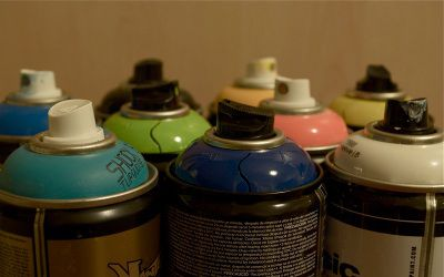 Different inhalants, same can Spray Cans