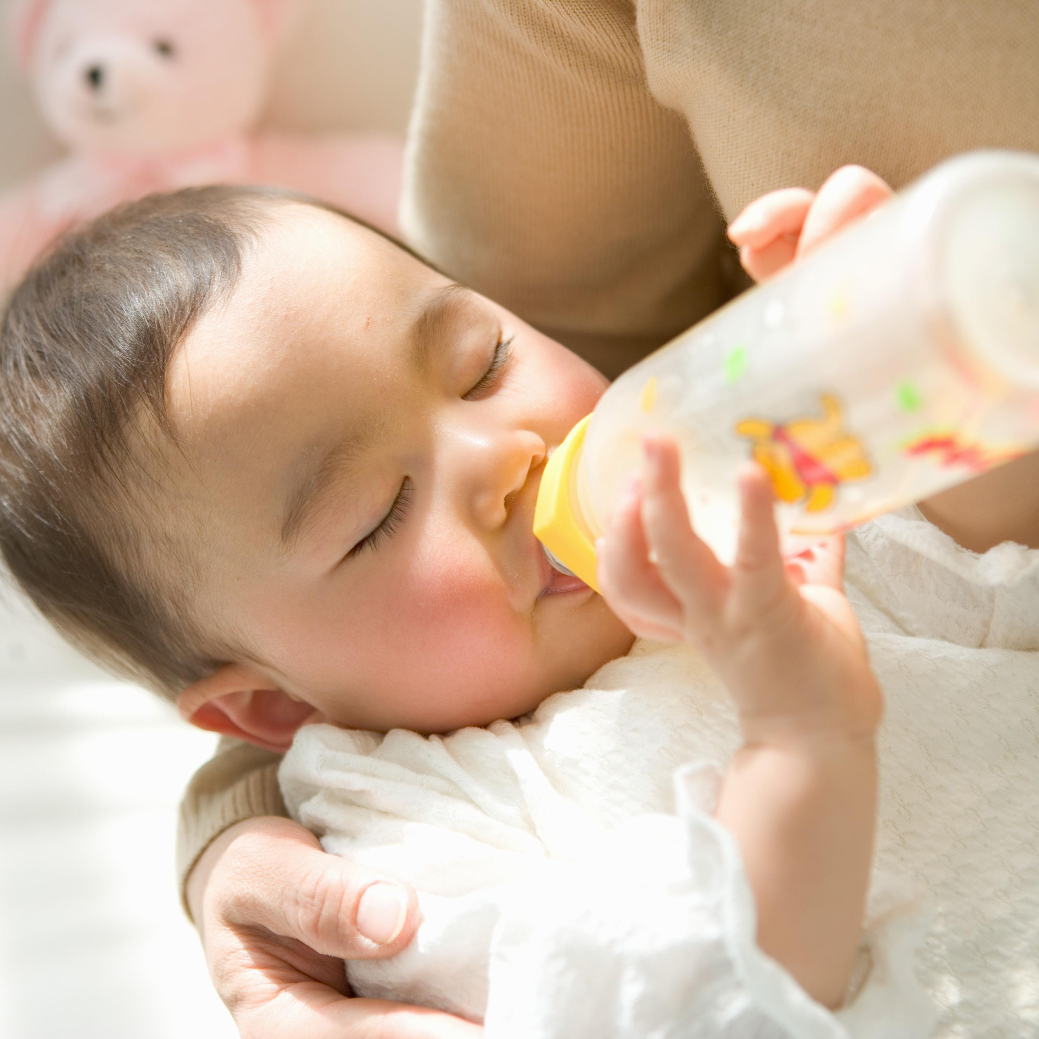 Choosing a Baby Formula Among Similac, Enfamil and More