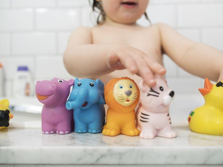 Baby Bath Toys Fun Baby Bathtub Toy Shark Bath Toy for Toddlers Boys /& Girls