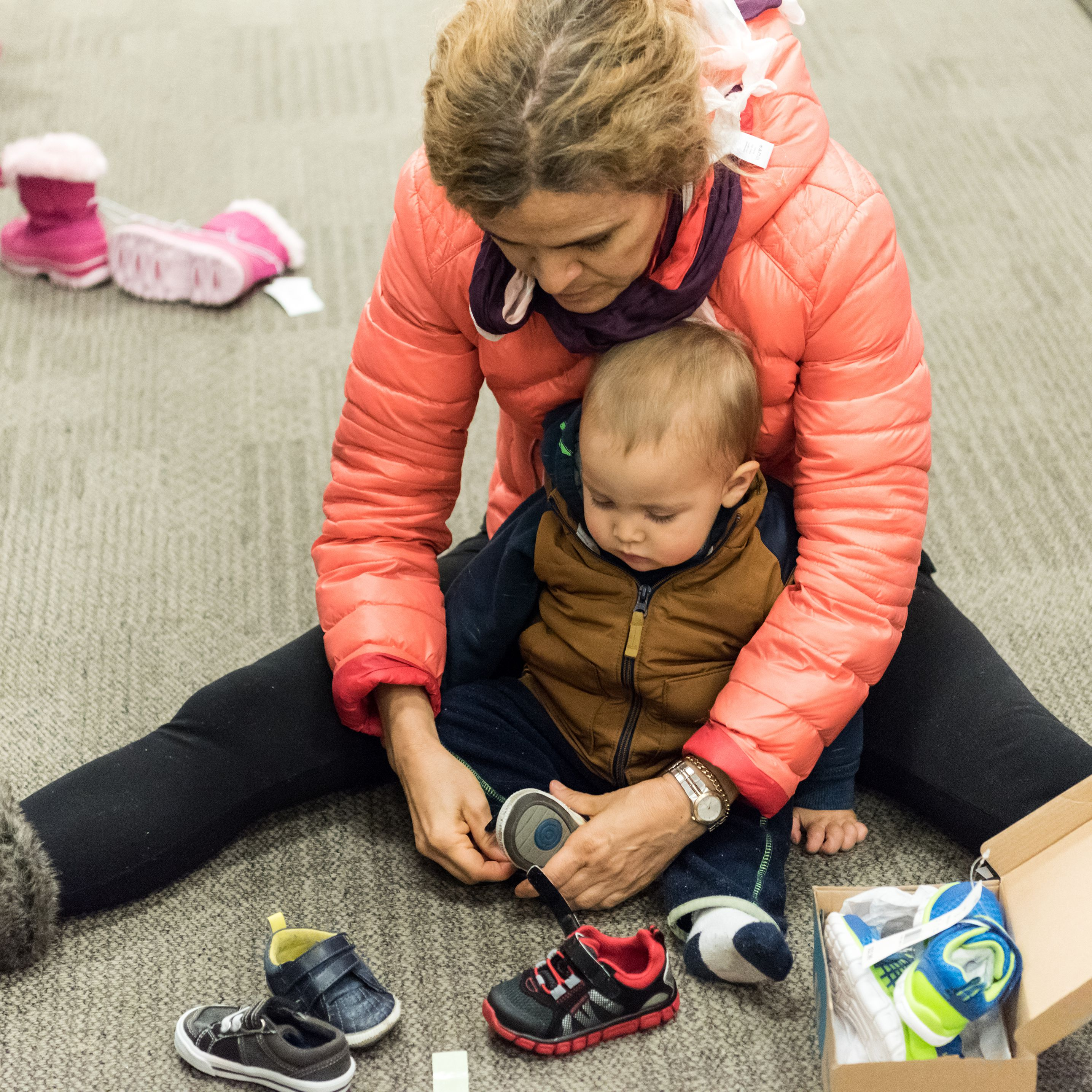763705ba4e3 Recommendations on When to Buy Baby Shoes