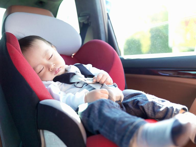 Baby who sleeps by child seat when being driving