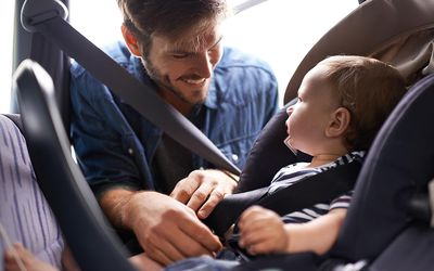 Is It Safe For Babys Legs To Touch The Seat When Riding Rear Facing