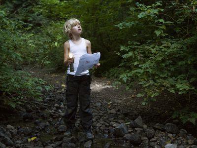 Flashlight games - treasure hunt