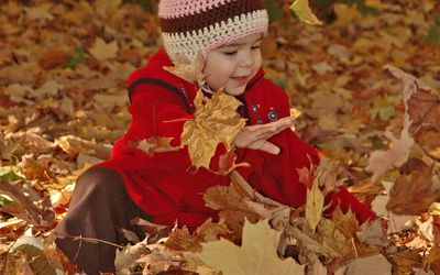 Here Are Some Great Ideas For A Fall Color Photoshoot Of Your Child