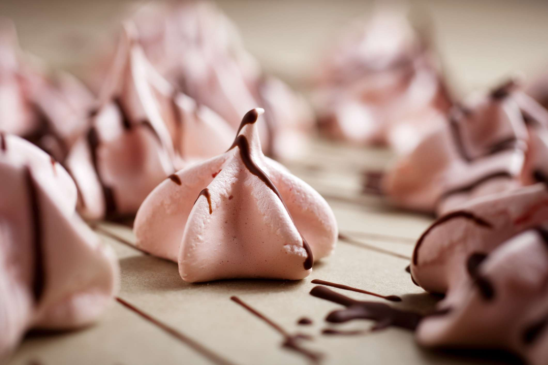 Pink meringues for Valentine's Day