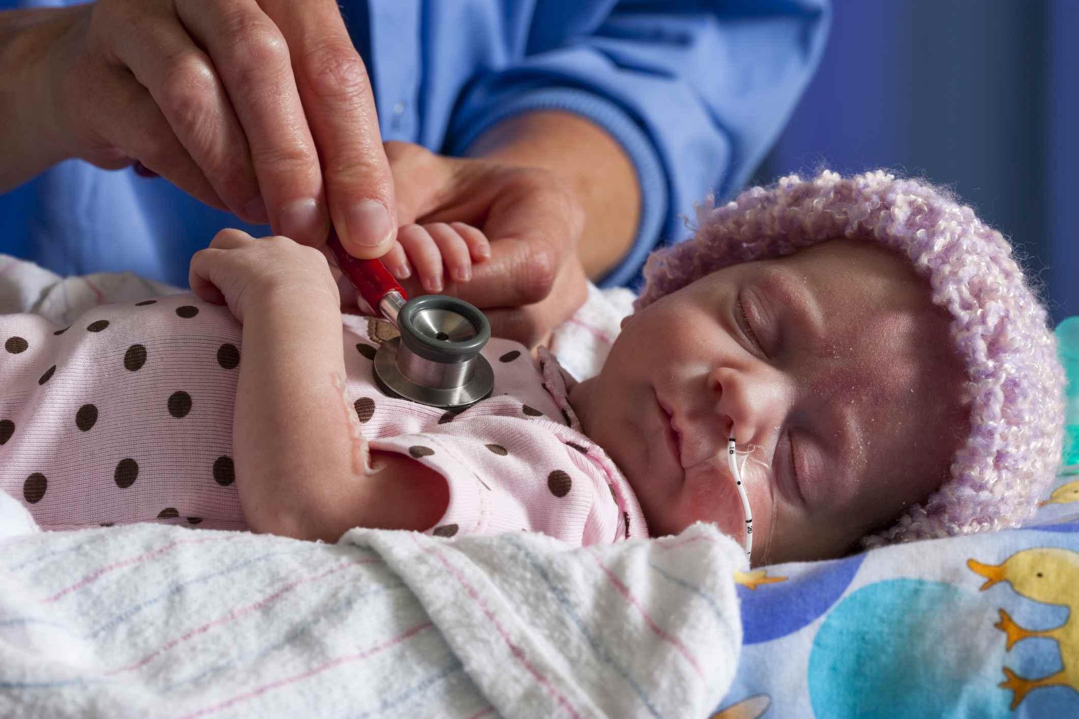 NICU - Neugeborenen-Intensivstation, Krankenschwester-Prüfung