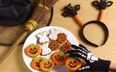 Cookies at a Halloween party