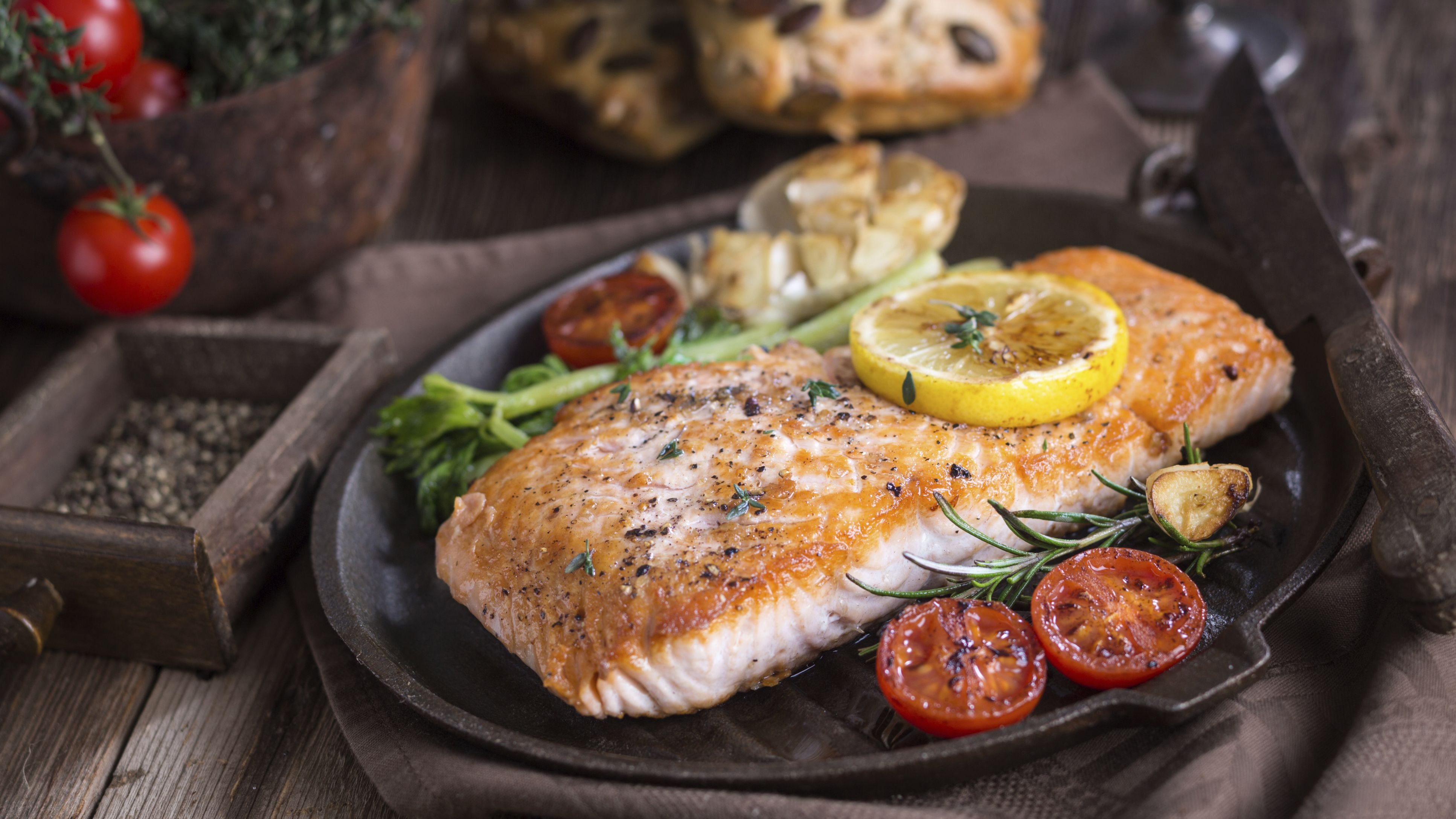 Is It Safe for Pregnant Women to Eat Fish?