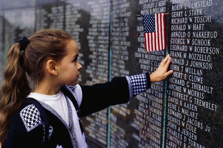 Young girl visiting Vietnam Veterans Memorial