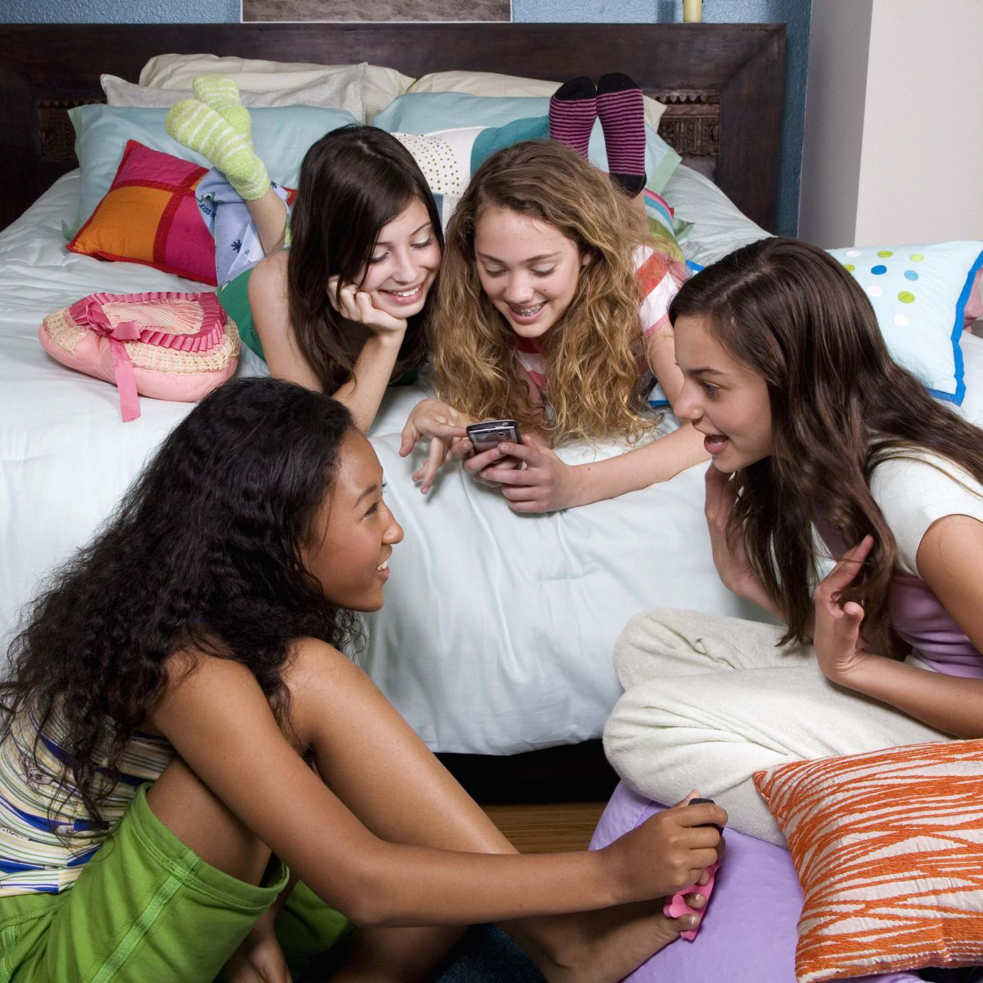 How To Host A Successful Slumber Party