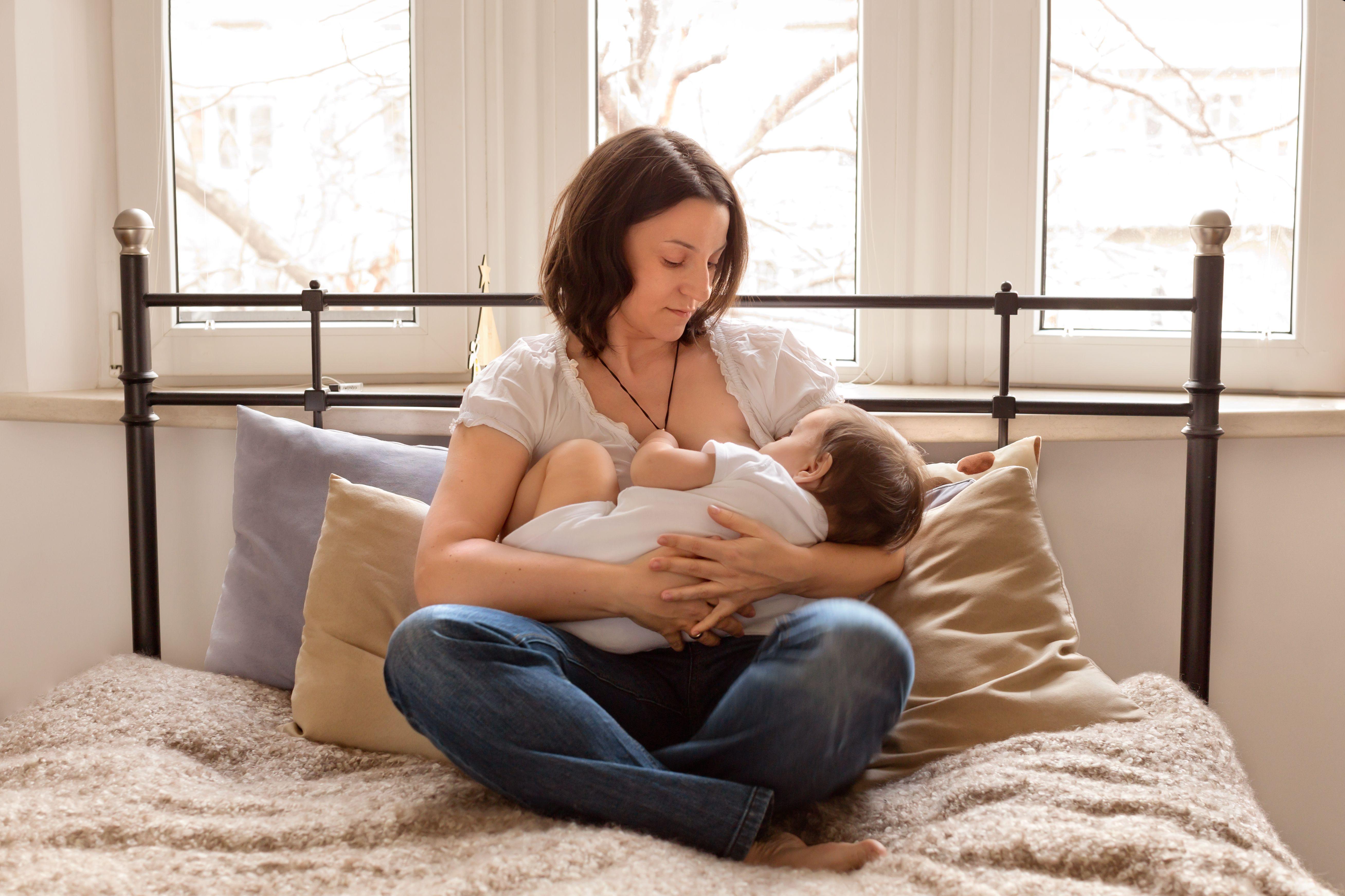 anr-breastfeeding-asian-escorts-bar-girls