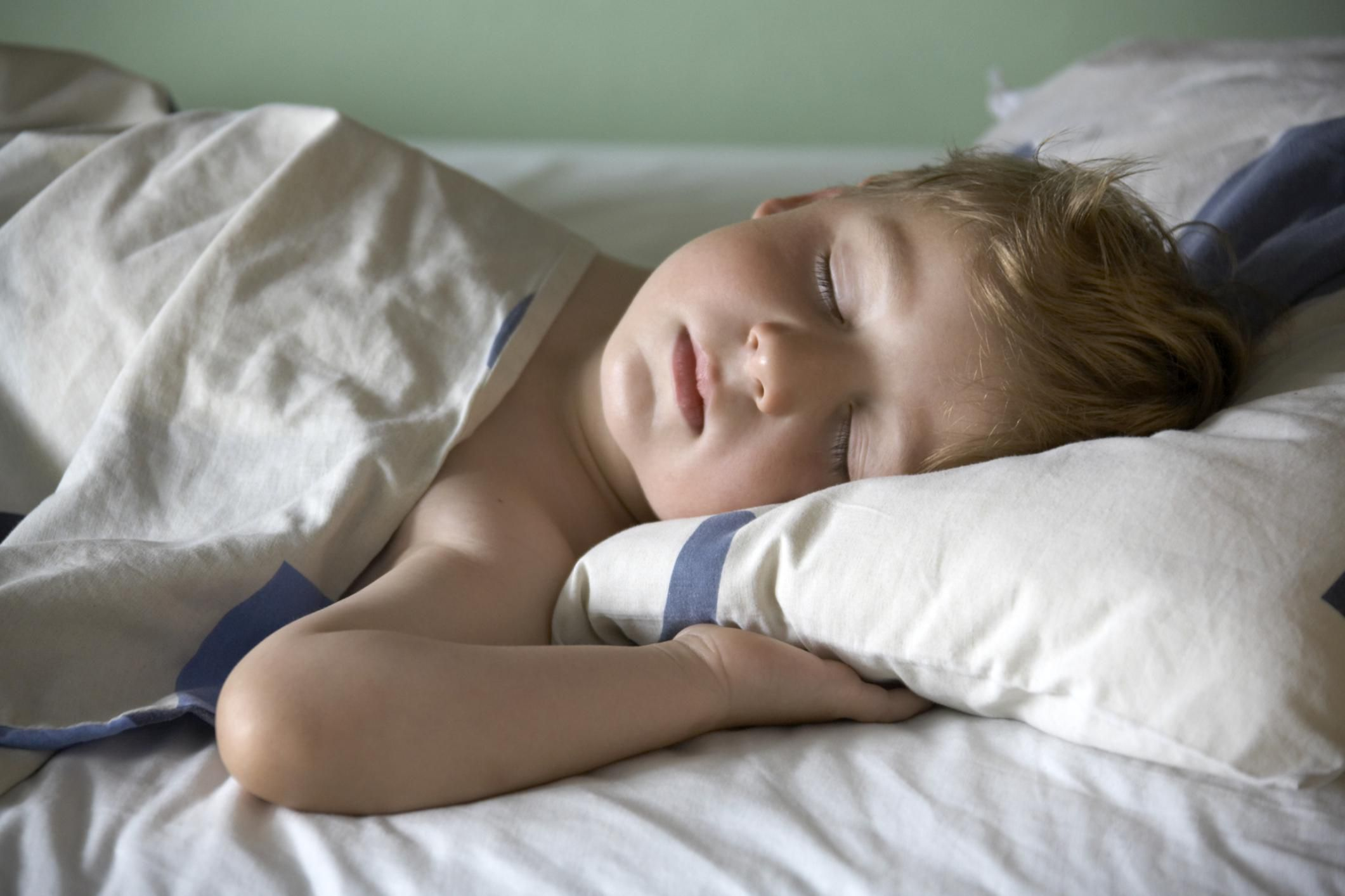 Setting Bedtime Boundaries and Fixing Sleep Associations With Toddlers