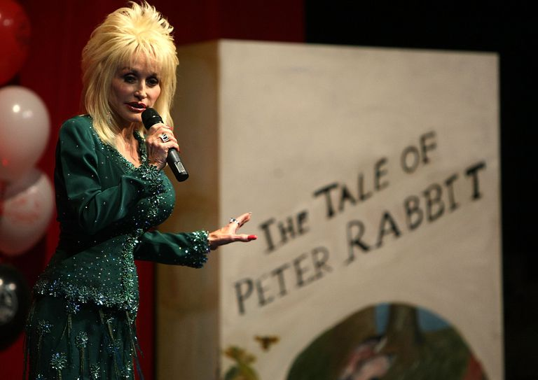 Dolly Parton Launches Her First UK 'Imagination Library' Scheme