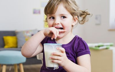 Risks of Toddlers Drinking Too Much Milk