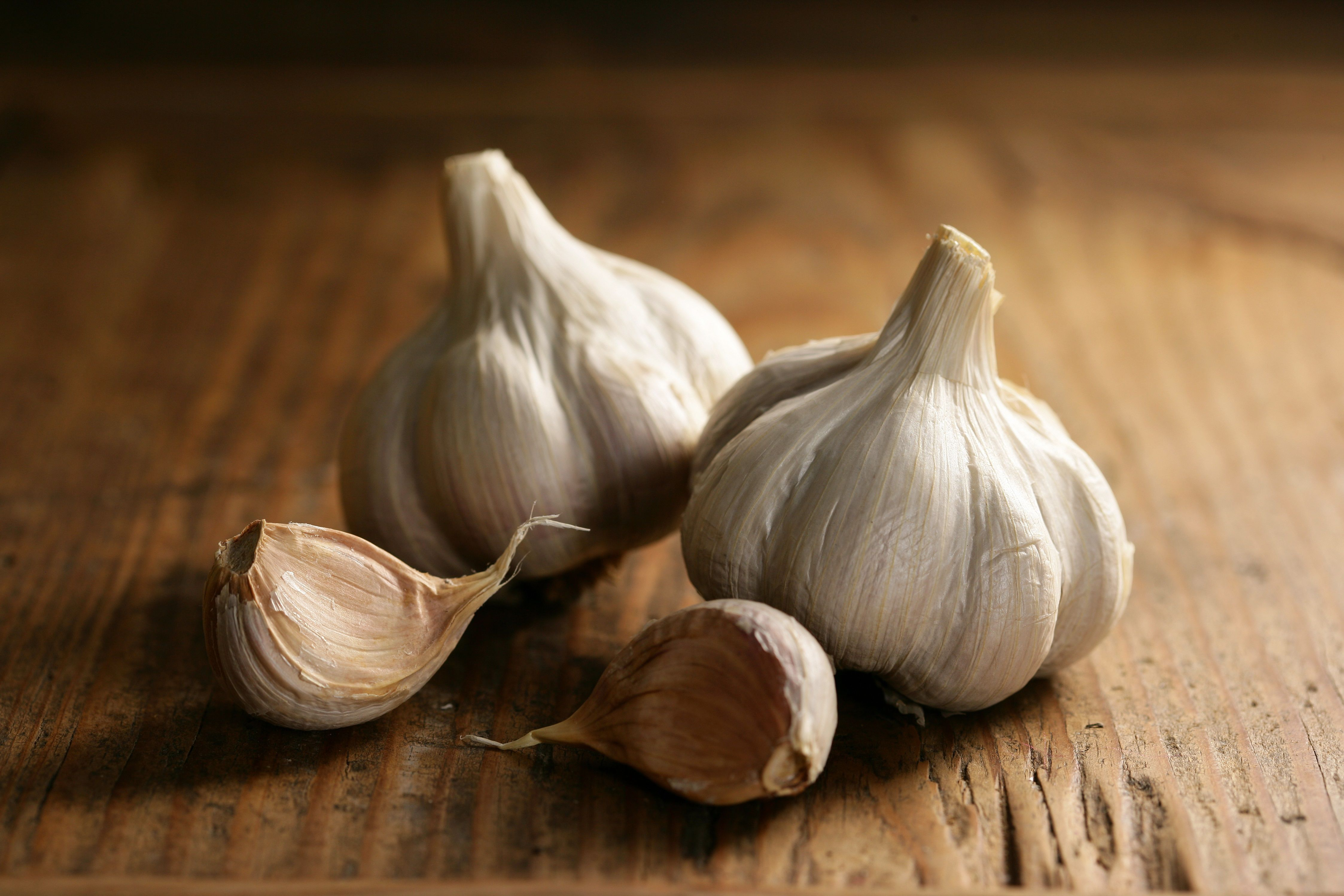 can you eat garlic if you are breastfeeding
