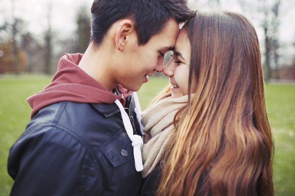 teen dating couple