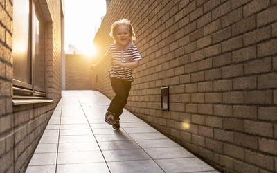 8 Warning Signs of a Bad Babysitter