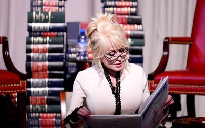 Dolly Parton's Imagination Library Donates 100 Millionth Book To Library Of Congress