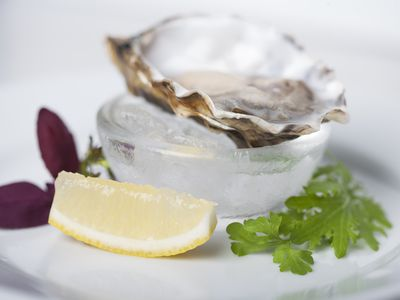 Oysters with a slice of lemon, a fertility super food