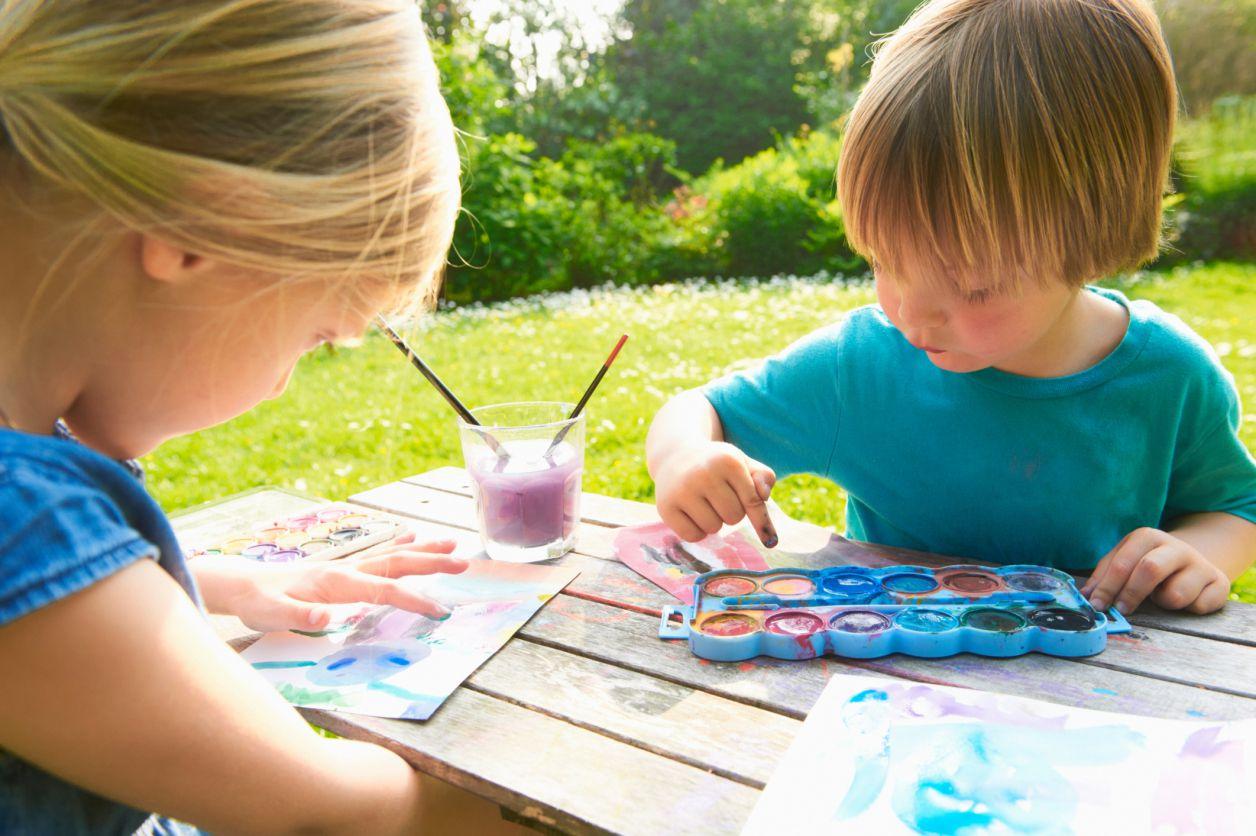 The 9 Best Indoor And Outdoor Summer Activities For Kids