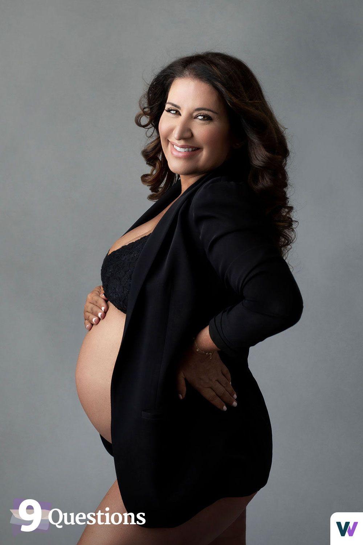 Alchemy 43 founder Nicci Levy posing pregnant