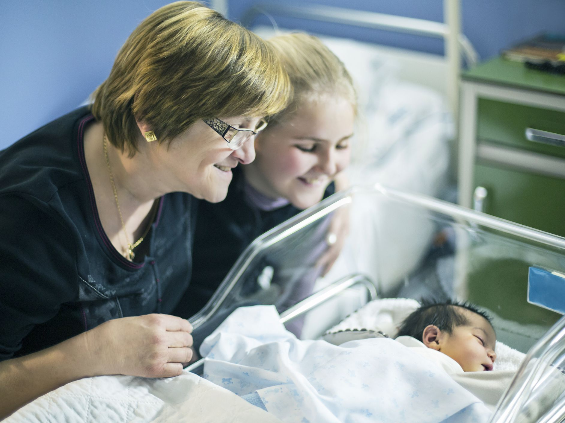 Ultimate Guide for New Preemie Grandparents