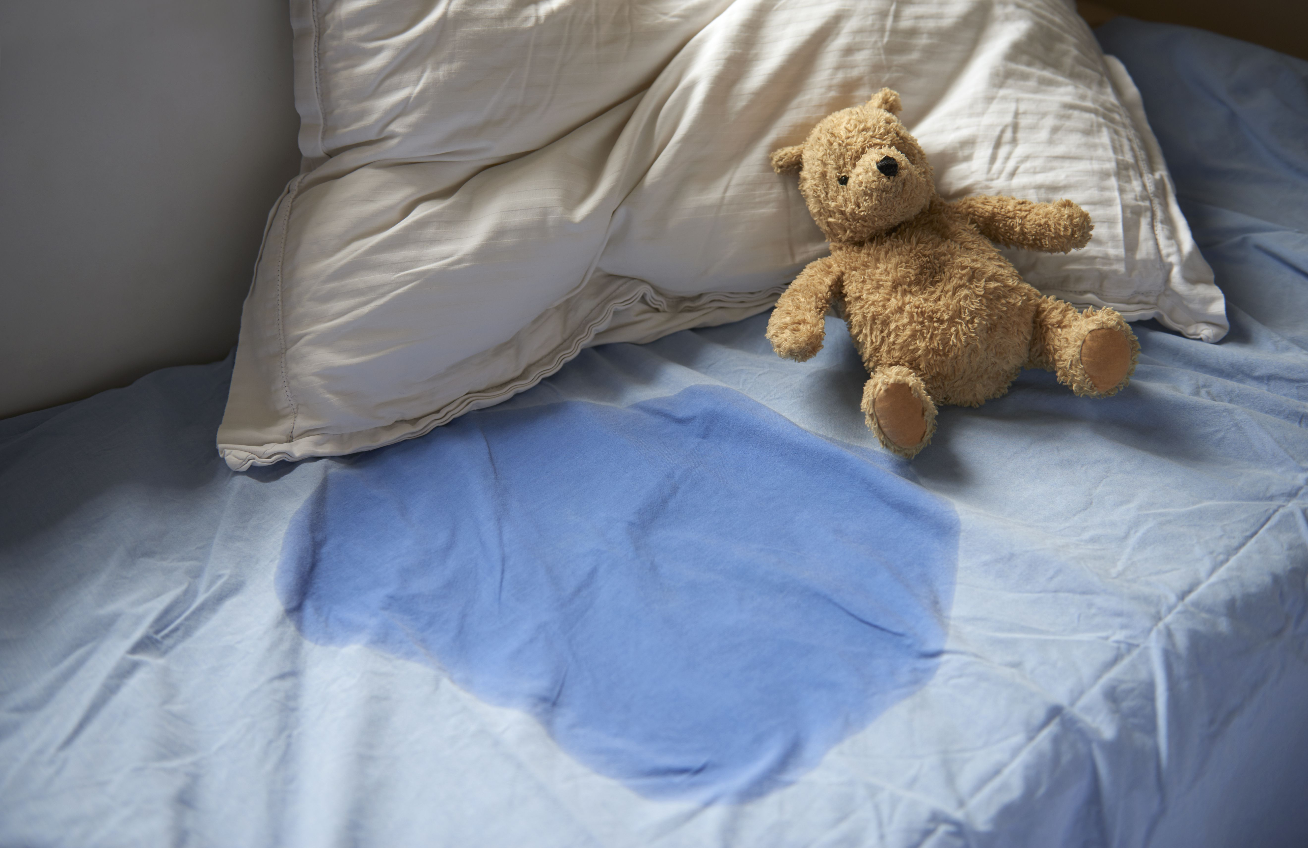 Bed wetting, protective bedding for children   Bed wetting