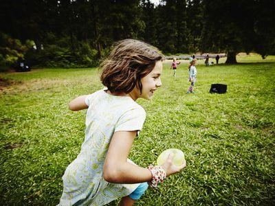 Play pirate's treasure - girl running on lawn