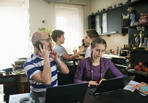 Frustrated dad online schooling