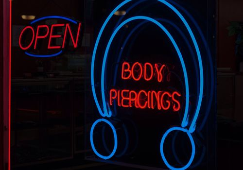 Body Piercing Sign
