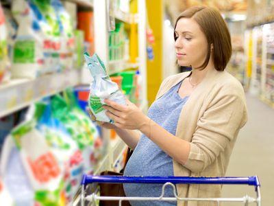 pregnant woman buys washing powder