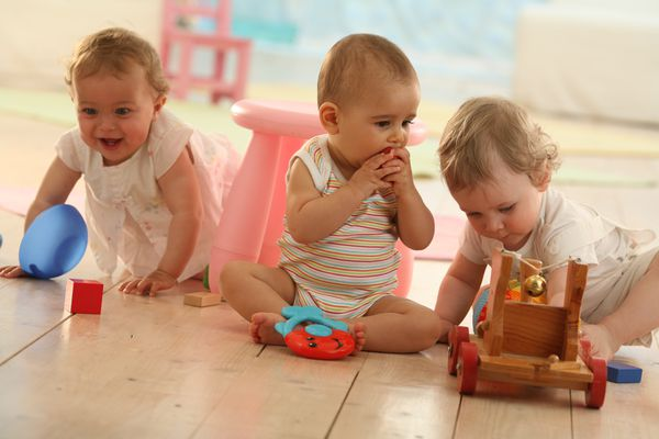 babies playing at daycare