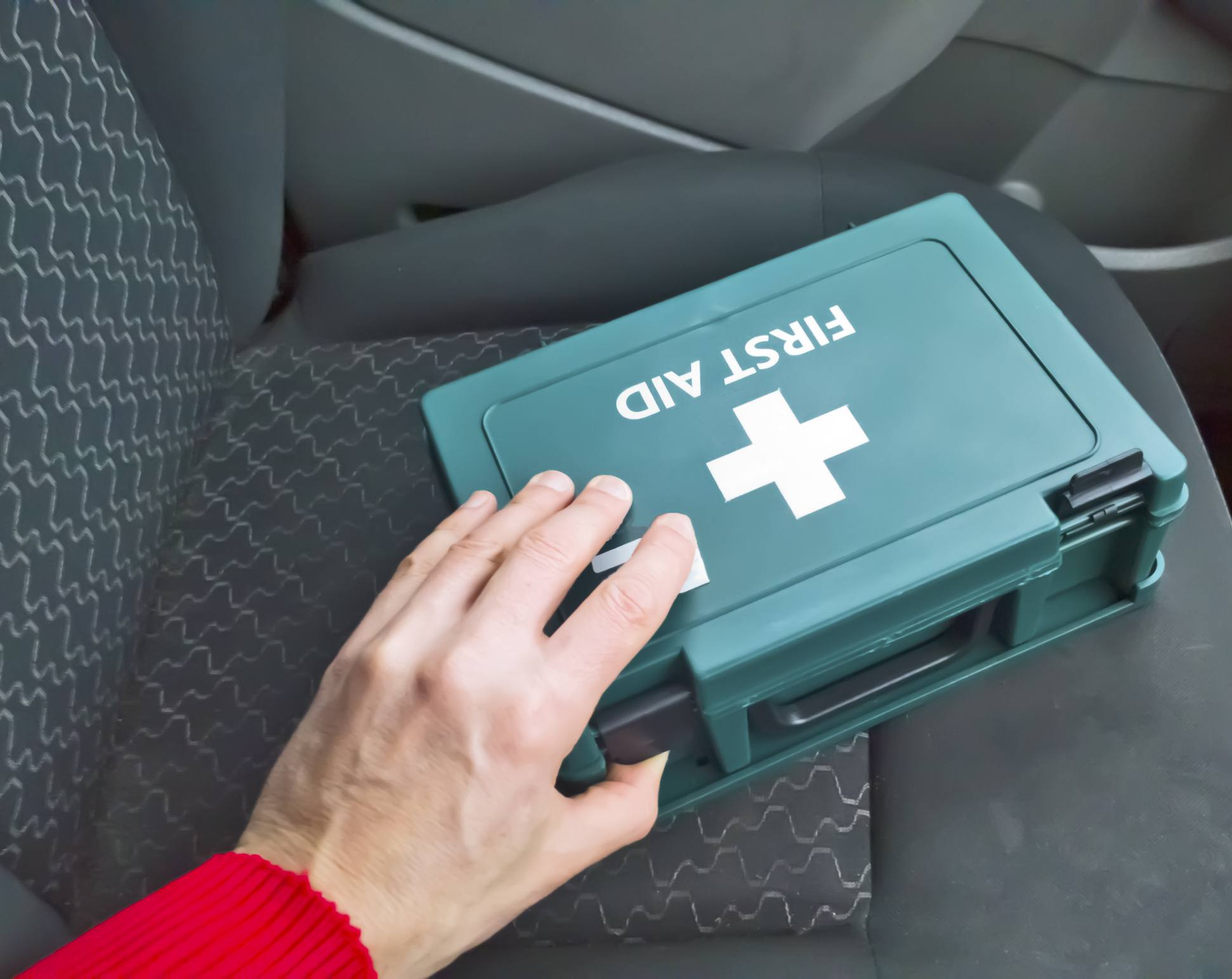 - Stay Safe on The Road no Matter What Comes up 3 People Complete Car Emergency Kit