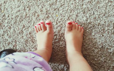 toddler girl's painted toes