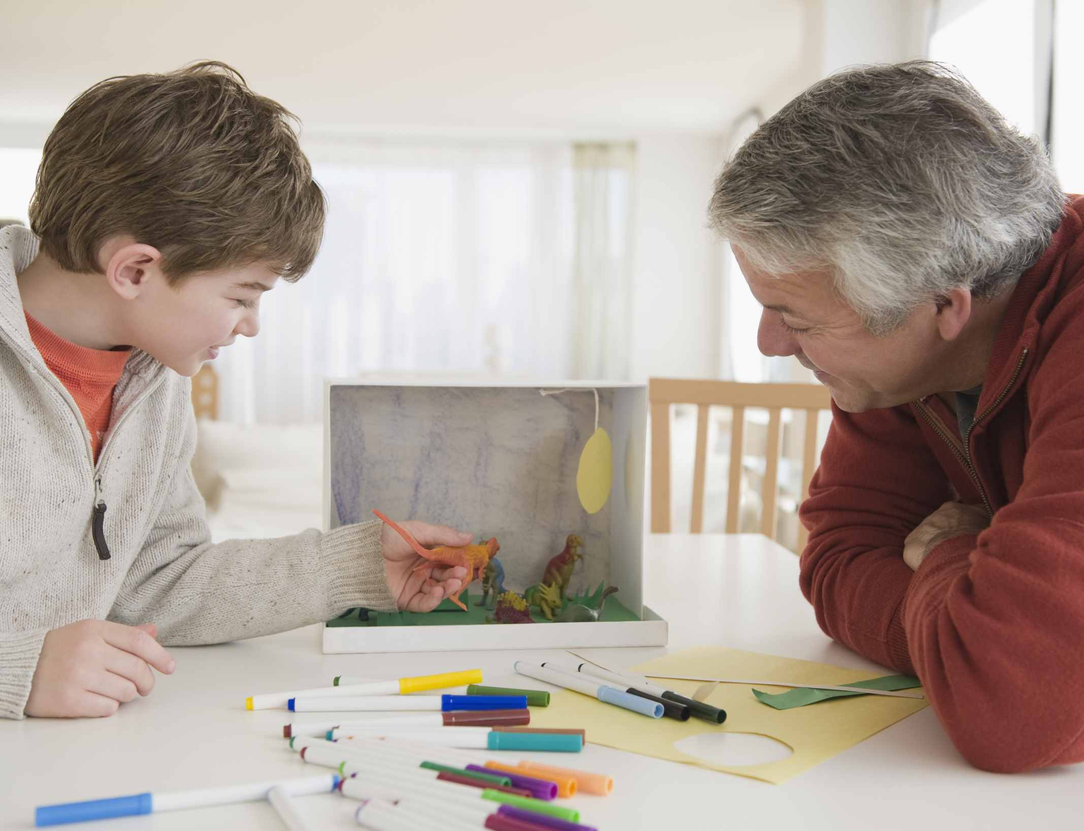 Make a diorama with a grandchild