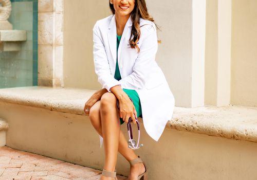 Dr. Mona Amin