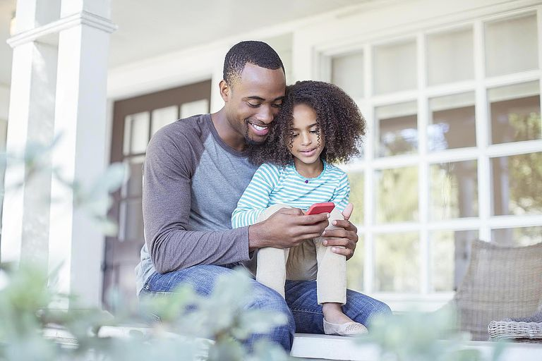 pros and cons of dating a single father