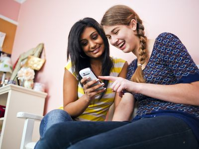 Create cellphone rules that will keep your teen safe.