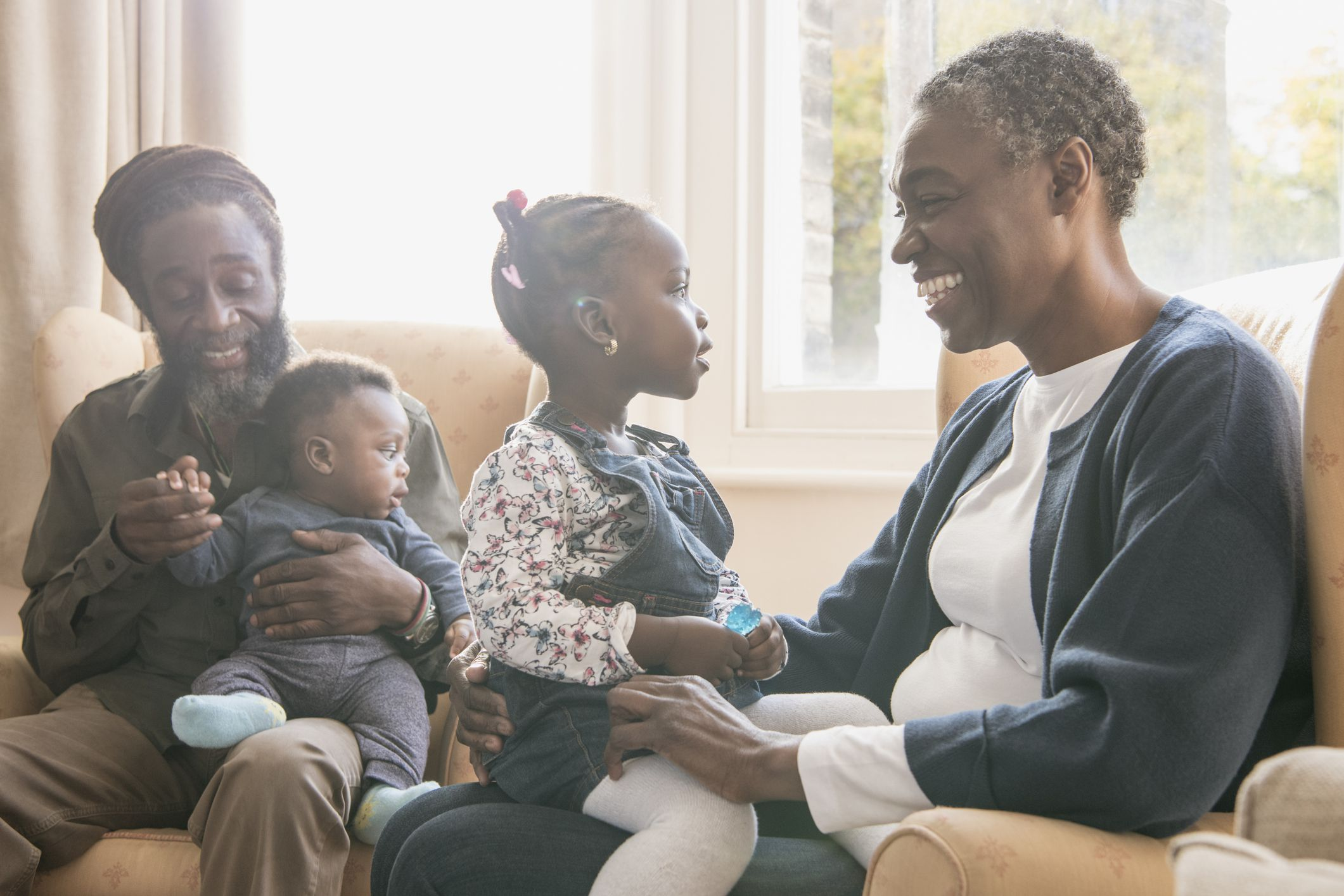 Why Maternal Grandparents Are Often Closer to Grandkids